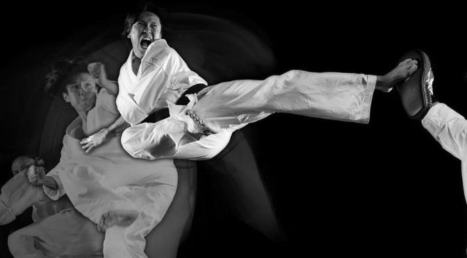 1174px-Steven_Ho_Martial_Arts_Kick